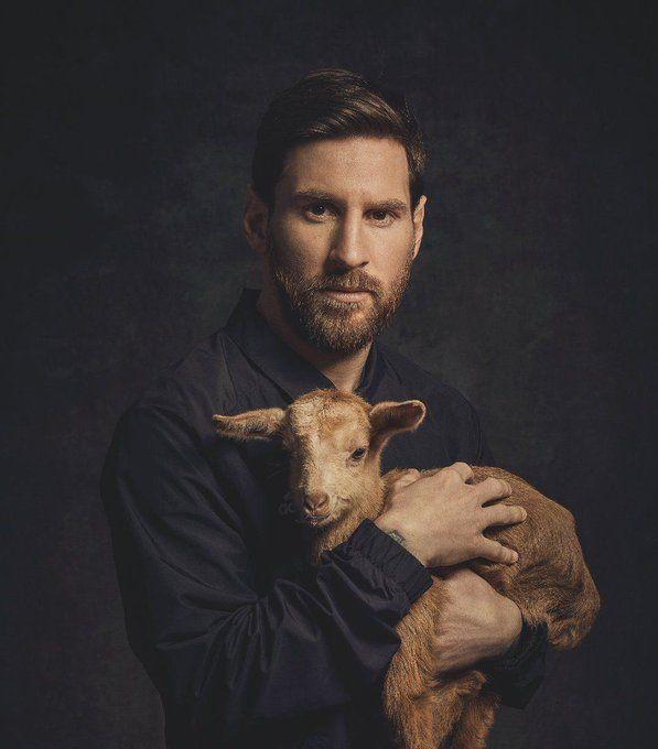 RT @ftbllrswanimals: Lionel Messi willing…